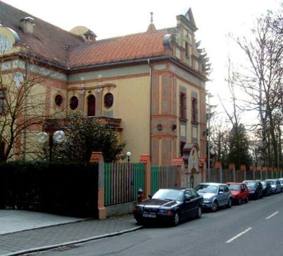 Verbindungshaus in Erlangen 01